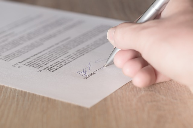 contract signing   Pivot HR Services